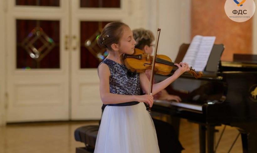 Лана Герасименко. Талантливая скрипачка
