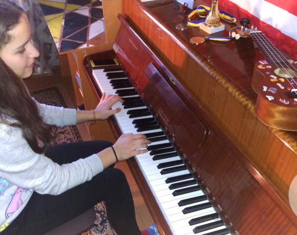 Пианино для Побережной Ангелины.