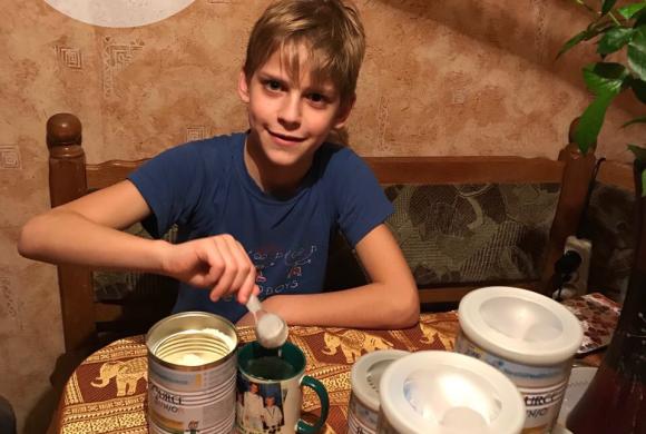 Покупка питания для Романа Мельника